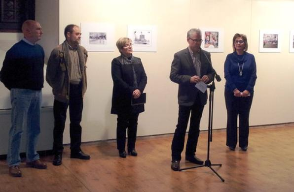 The exhibition was presented at Torre Vella.