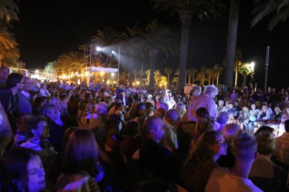 More than 1,500 people attend the urban fashion catwalk of Salou