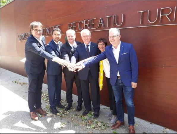 Mayors and those involved in the tourism sector show their joy