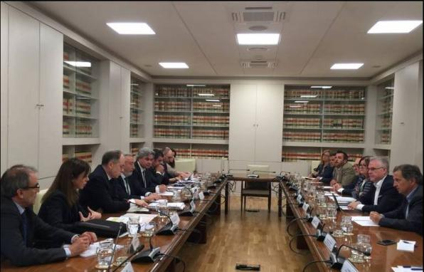 The meeting between mayors, Foment, Adif and Renfe was held in Madrid.