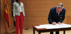 The mayor signs his support to Red de Destinos Turísticos Inteligentes