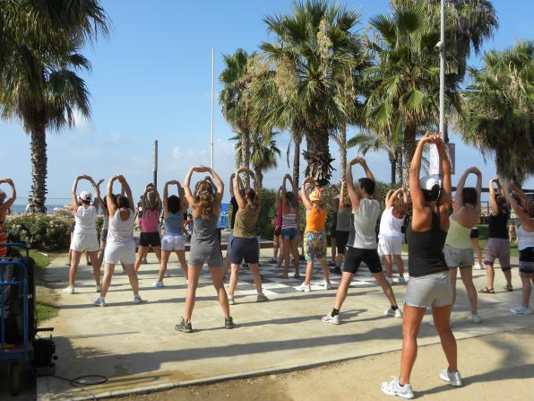 Image of one of the zumba classes in Salou