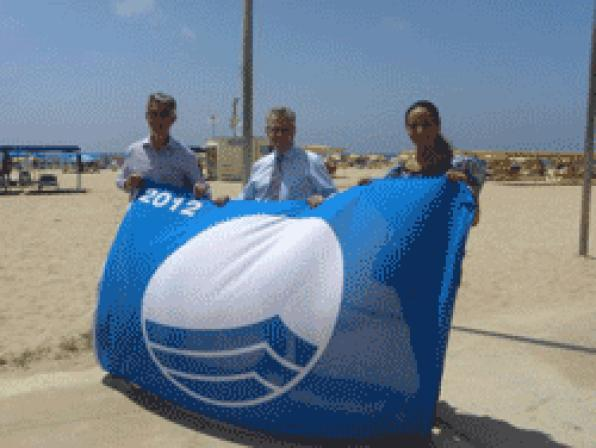 The Blue Flag now flies on the beaches of Levante and Chaplains of Salou