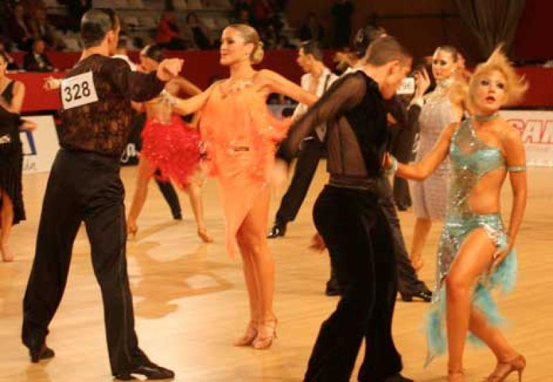 El open de baile deportivo reune a la doce mejores parejas for Battlefield 1 salon de baile