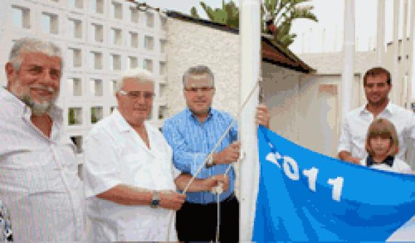 The Club Náutico Salou hoisted once again the Blue Flag
