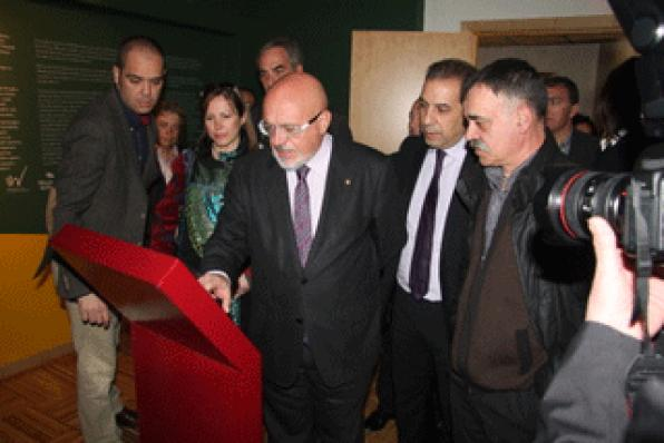 Huguet opens Interpretive Prades Mountains Center and visits Alforja and Arbolí