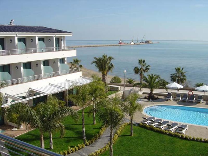 Hotel miami mar de sant carles de la r pita for Sant carles de la rapita fotos