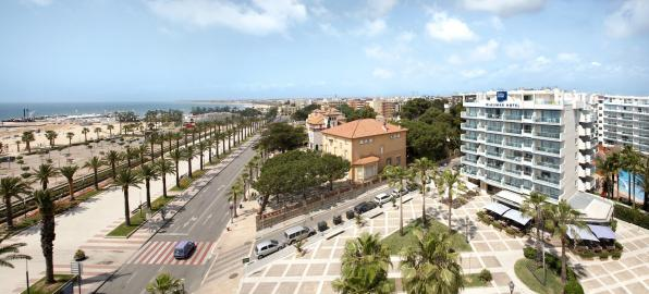 Blaumar Hotel in Salou located on the seafront