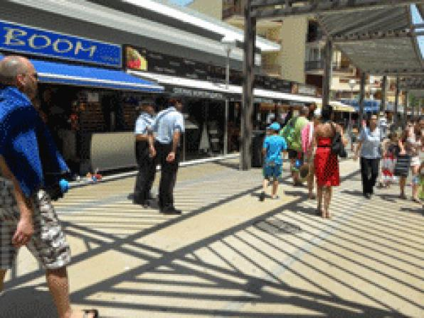 Autonomous Police and Local Police will strengthen surveillance of Salou in the commercial and touri