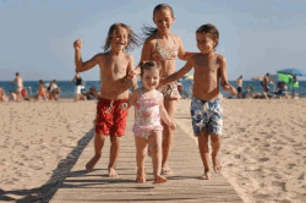 Salou adds four new stores in the certification of Family Tourist Destination