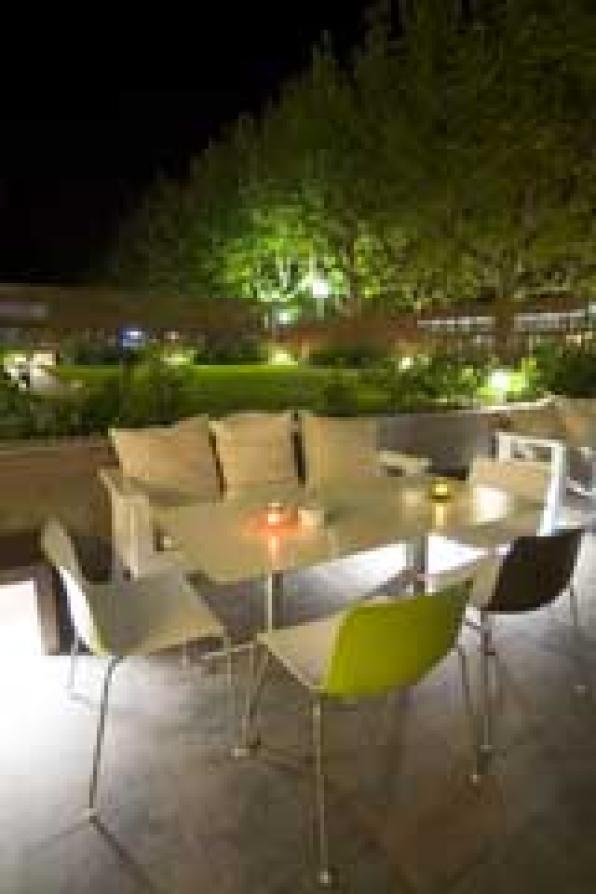 Salou Poolbar & Restaurant, a new atmosphere for the night salouense