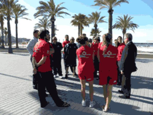 Start the deployment of lifesaving and rescue service on the beaches of Salou